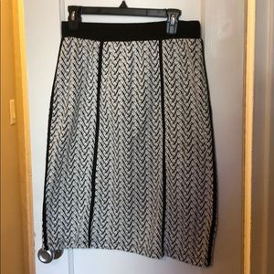 Le Lis Skirts - Stretch black and white pencil skirt sz L